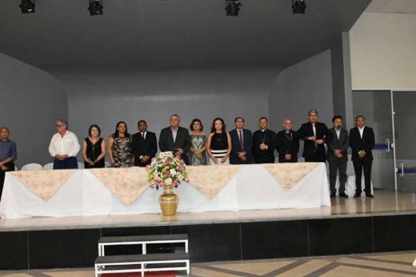 Lançamento de livro da Coleção Florianenses marca noite de aniversário de Floriano.(Imagem:SECOM)