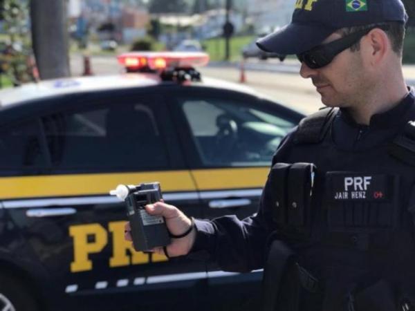 Homem é detido pela PRF por conduzir embriagado em Floriano(Imagem:PRF)