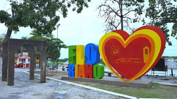 Letreiro turístico é a nova atração no Cais de Floriano.(Imagem:Divulgação)