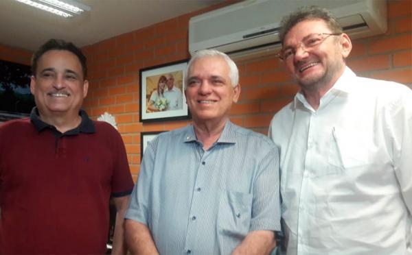 Ex-deputado Robert Rios, deputado Themístocles Filho e o ex-governador Wilson Martins.(Imagem:Lídia Brito/Cidadeverde.com)