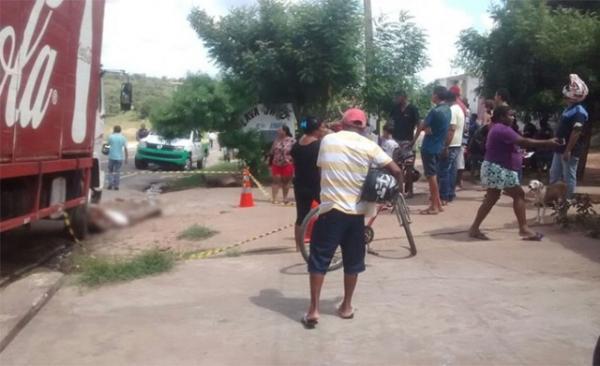 Pai e filho são assassinados em Floriano e polícia suspeita de vingança.(Imagem:Reprodução)
