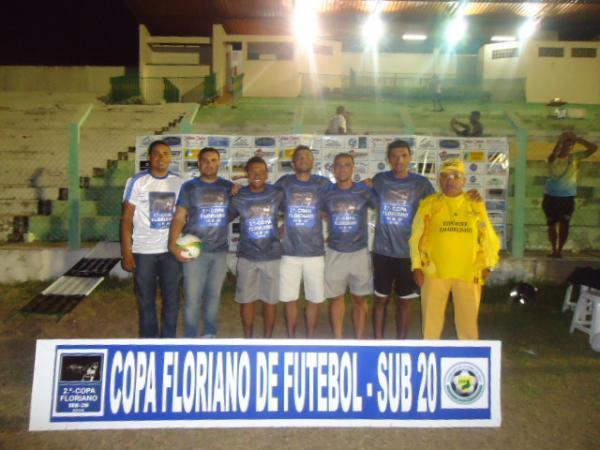 Quatro equipes garantem vaga nas semifinais da Copa Floriano Sub-20.(Imagem:FlorianoNews)