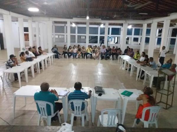 Reunião entre FEBAPI e Saúde de Floriano debate reivindicações dos bairros.(Imagem:FlorianoNews)