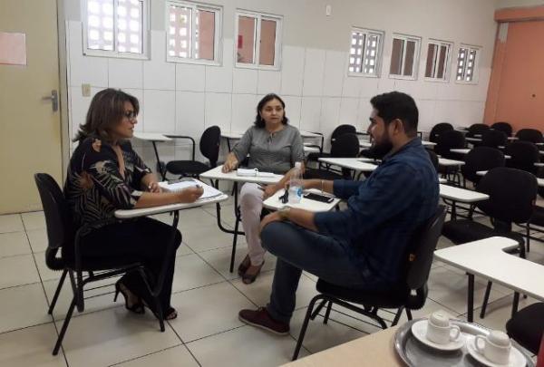 Reunião discute parceria entre Senac e Floriano Shopping sobre programa de qualificação.(Imagem:Divulgação)