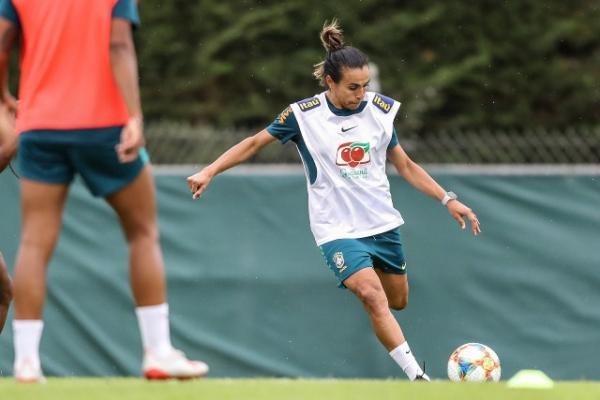 Duelo da próxima quinta pode definir a classificação do Brasil na Copa do Mundo Feminina. Segundo Andressa Alves, craque está com