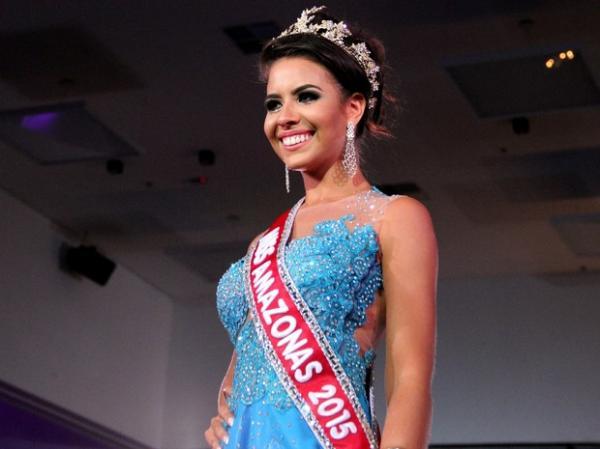 Carolina Toledo foi a grande vencedora do Miss Amazonas 2015.(Imagem:Marcos Dantas/G1 AM)