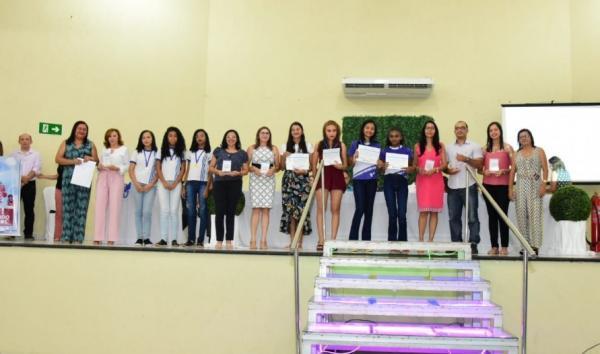 SEMED premia escolas municipais com melhor desempenho em Floriano.(Imagem:Secom)