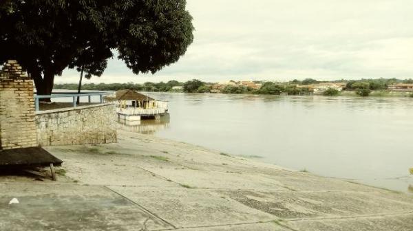 Rio Parnaíba na manhã desta sexta (13).(Imagem:FlorianoNews)