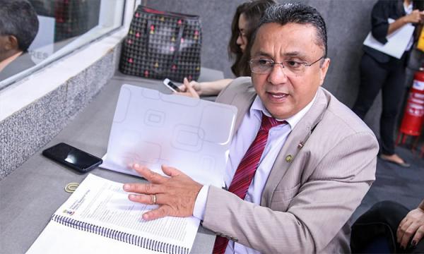 Vereador Dudu diz que pesquisas não traz segurança para escolher candidato.(Imagem:Roberta Aline/Cidadeverde.com)