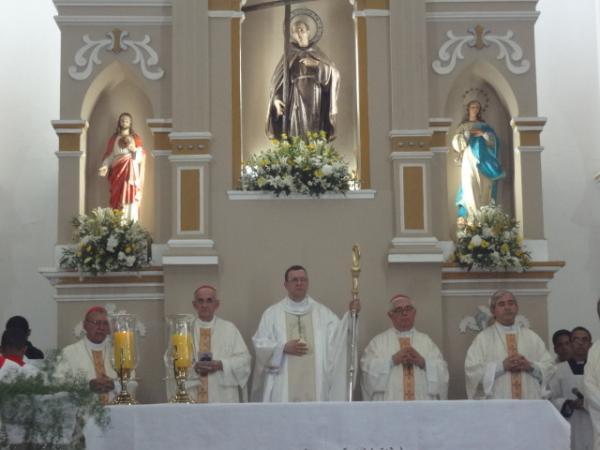 Comemorado os 25 anos de ordenação sacerdotal de Dom Valdemir.(Imagem:FlorianoNews)
