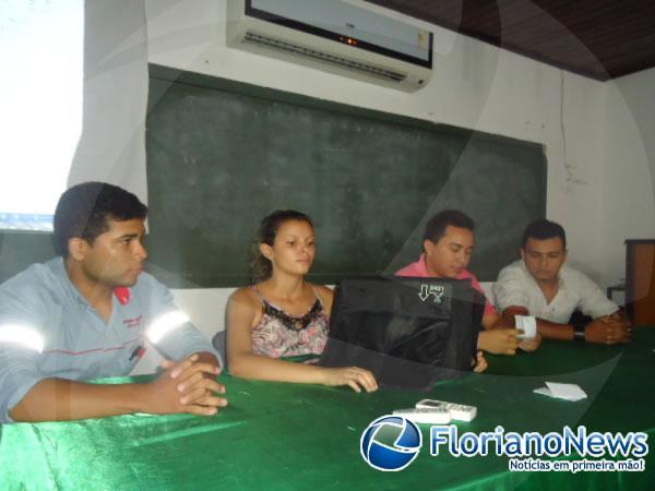 Eleitos membros do Conselho da Juventude de Floriano.(Imagem:FlorianoNews)