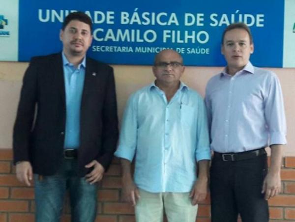 Vereadores visitam Unidades Básicas de Saúde de Floriano e identificam problemas.(Imagem:Assessoria)