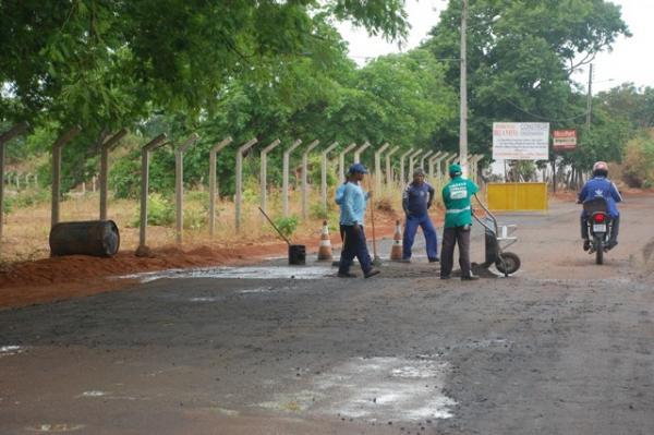 Secretaria de Infraestrutura realiza Operação Tapa Buracos em Floriano
