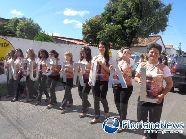 Colégio Industrial celebra 46 anos de fundação com desfile cívico. (Imagem:FlorianoNews)