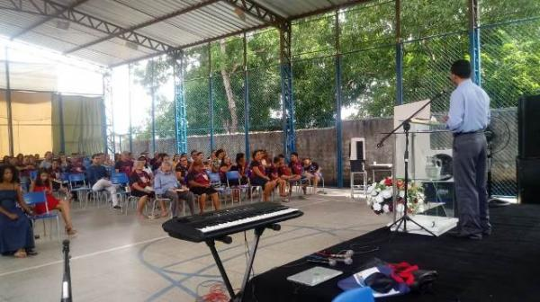 Floriano sedia XI Congresso da Região Meio Norte.(Imagem:FlorianoNews)