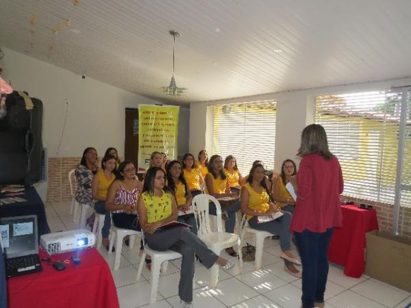 Centro Educacional Peniel realiza formação de professores para tratar da BNCC.(Imagem:Centro Educacional Peniel)