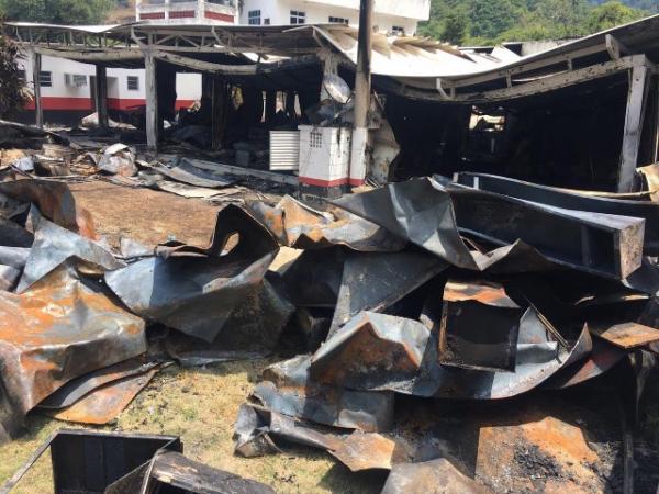 O que restou do alojamento do Ninho do Urubu após incêndio.(Imagem:Leslie Leitão/TV Globo)