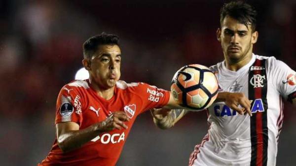 O Independiente venceu o duelo de ida, em Buenos Aires, por 2 a 1.(Imagem:REUTERS)