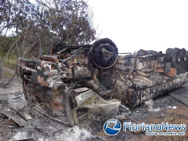 Acidente na PI-140(Imagem:FlorianoNews)
