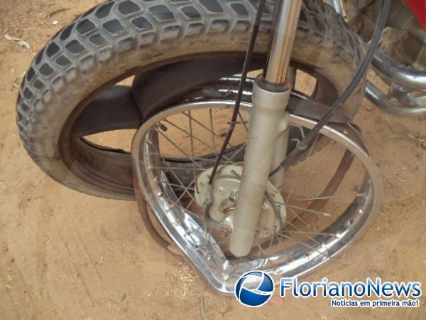 Em Barão de Grajaú motociclista colide contra carro e é atropelado enquanto recebe socorro.(Imagem:FlorianoNews)