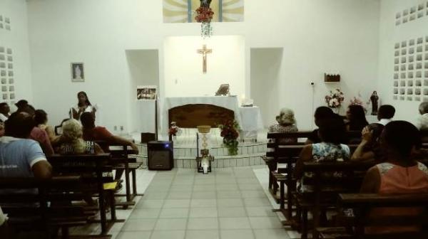 Igreja de Santa Rita realiza tríduo em preparação a ordenação presbiteral em Floriano.(Imagem:FlorianoNews)