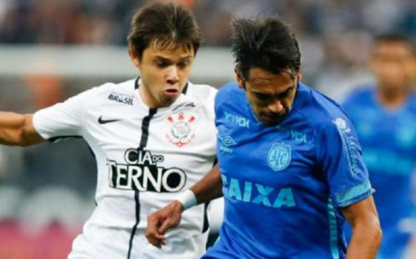 Corinthians vence o Avaí e fica perto do título do Brasileirão.(Imagem:GOAL)