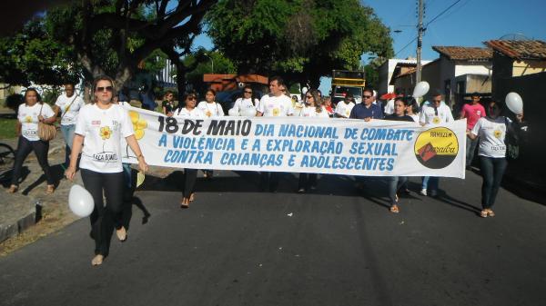 Caminhada marcou Dia Nacional de Combate à Exploração Sexual de Crianças em Floriano(Imagem:FlorianoNEws)