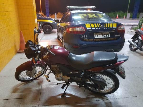 PRF recupera terceiro veículo furtado essa semana no município de Floriano.(Imagem:PRF)
