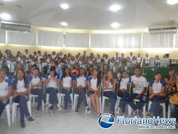 Osvaldo da Costa e Silva promove palestra sobre valores.(Imagem:FlorianoNews)