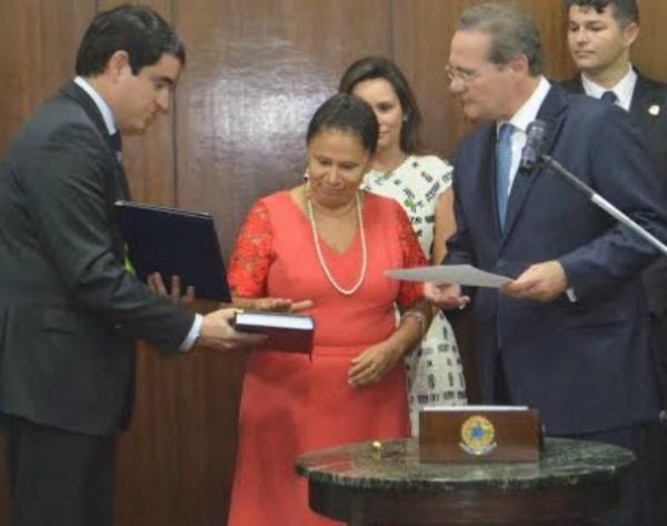 Regina Sousa entra para história como primeira mulher a assumir o senado pelo Piauí.(Imagem:PT no Parlamento)