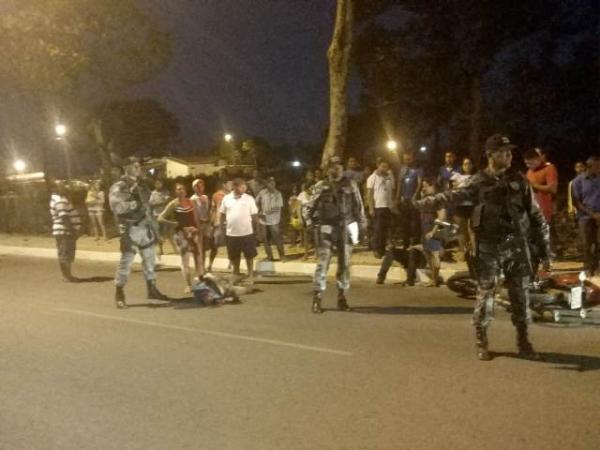 Pedestre fica gravemente ferido ao ser atropelado na Avenida Calisto Lobo.(Imagem:FlorianoNews)