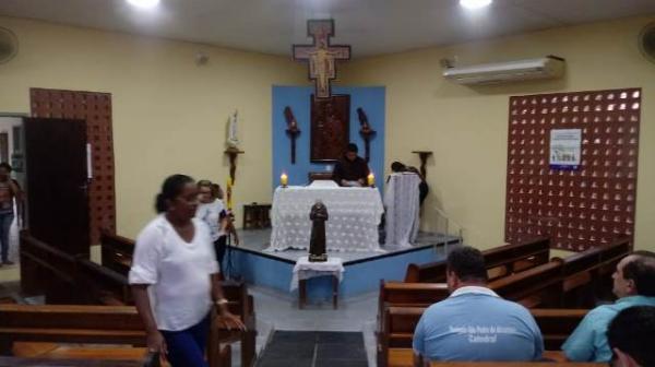 Comunidade participa da abertura dos festejos de São Pio de Pietrelcina em Floriano.(Imagem:FlorianoNews)