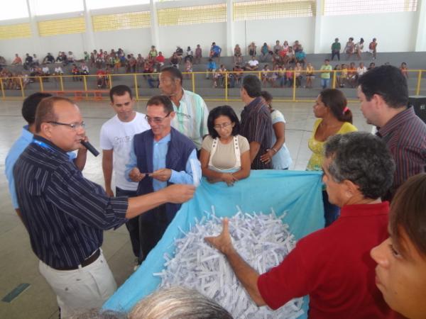 Realizado o sorteio das casas do Novo Retiro.(Imagem: FlorianoNews)