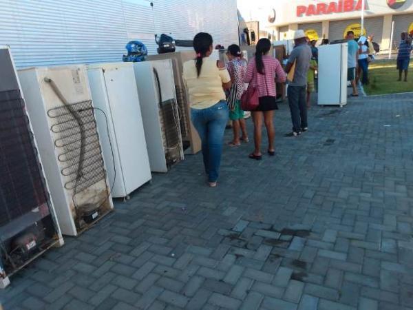 Equatorial Energia faz sorteio e entrega de geladeiras em Floriano (Imagem:FlorianoNews)
