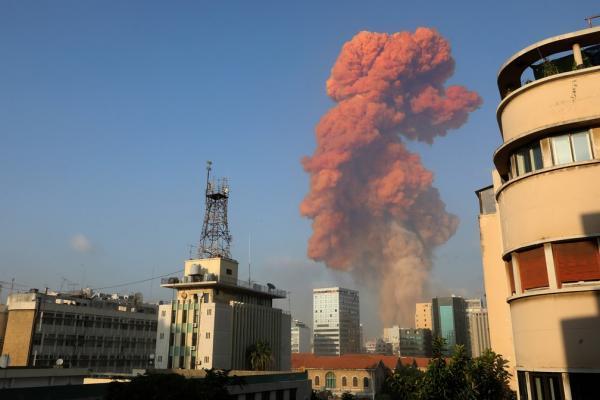 Grande explosão atingiu capital libanesa, Beirute, nesta terça-feira (4).(Imagem:Anwar Amro/AFP)