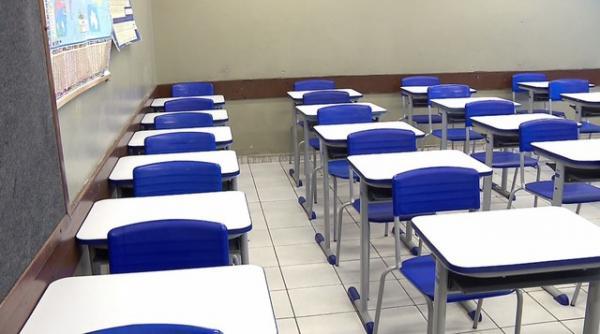 As aulas presenciais foram autorizadas para os estudantes 3º ano do ensino médio e outras atividades de ensino listadas em decreto do governo estadual.(Imagem:Reprodução/RPC)