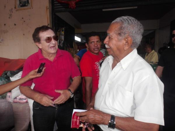 ?Nunca fiz política encastelado ou junto aos poderosos?, disse Mão Santa em visita a Floriano.(Imagem:FlorianoNews)