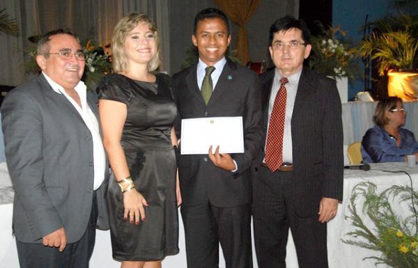Dr. Francisco Costa - Prefeito reeleito de São Francisco do Piauí foi diplomado nesta quarta-feira, 19(Imagem:FlorianoNews)