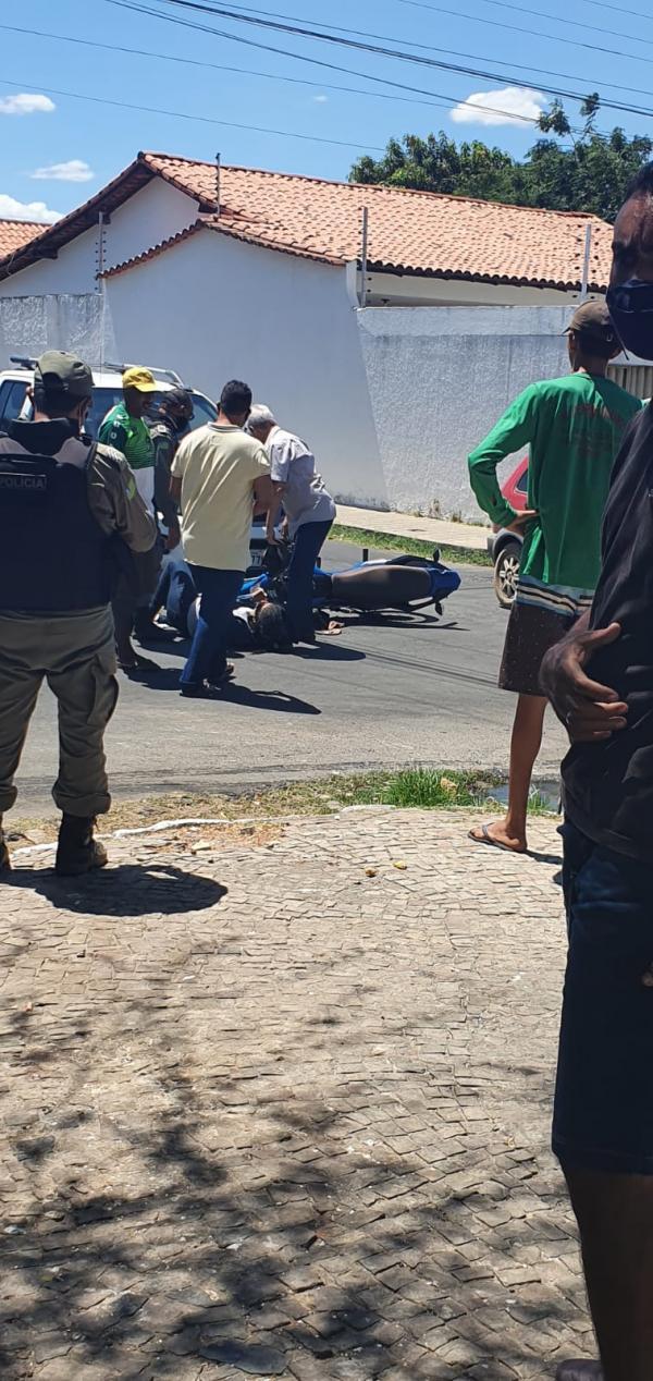 Mãe e filho sofrem acidente em Floriano(Imagem:FlorianoNews)