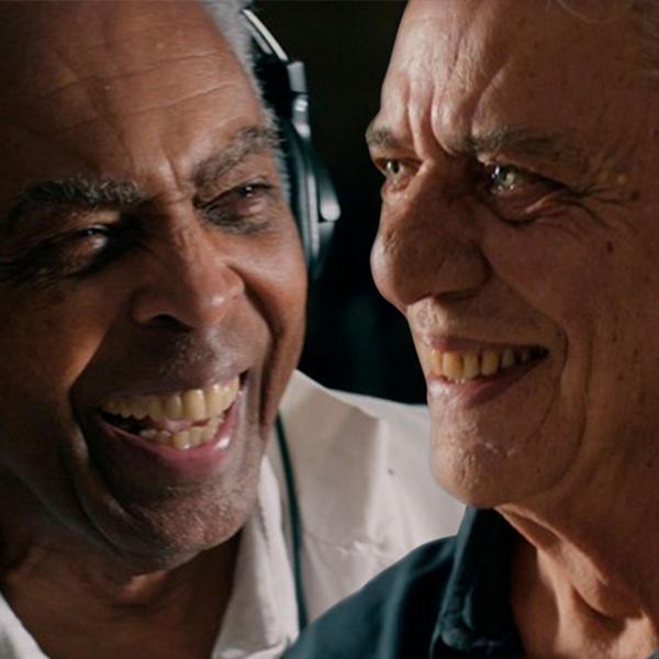 Gilberto Gil e Chico Buarque são ases que denunciam no single Sob pressão(Imagem:Reprodução)