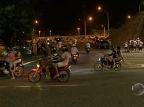 Motoqueiros desafiam a polícia em rachas semanais com data e hora marcada.(Imagem:Divulgação)