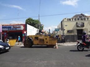 Obra de asfaltamento no centro de Floriano.(Imagem:FlorianoNews)