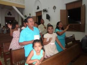Realizada missa em Ação de Graças pelos 15 Anos de Beatriz e Letícia.(Imagem:FlorianoNews)
