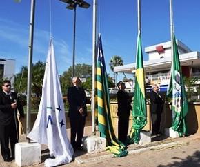 Hasteamento de bandeiras marca abertura da Semana da Pátria em Floriano.(Imagem:Waldemir Miranda)