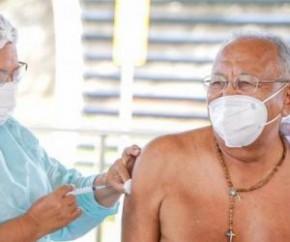 Os idosos devem levar cartão de vacina que comprove a primeira dose, documento de identificação com foto, CPF e comprovante de residência da cidade de Teresina.(Imagem:Reprodução)