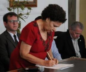 Governadora em exercício, Regina Sousa (PT)(Imagem:CidadeVerde.com)