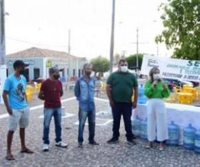 Na tarde deste sábado (18), a Secretaria de Meio Ambiente e Recursos Naturais (SEMDAS), deu início ao Projeto Ecotampas no Cais da Beira-Rio. Trata-se da instalação de pontos de en(Imagem:Reprodução)