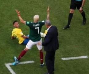 Mexicano que protagonizou pisão em Neymar fecha com Villarreal, da Espanha.(Imagem:Uol)