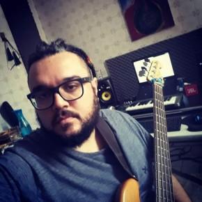 Músico Alexandre Rabello(Imagem:Instagram/alexandrerabello)
