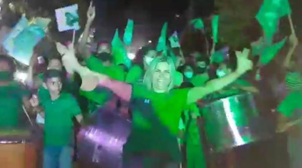 Aglomeração durante evento político em Cristino Castro.(Imagem:Reprodução/TV Clube)